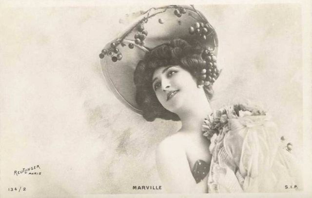 Carte Postale Marville - La Cerise.
